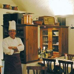 Lo chef nel ristorante varennese